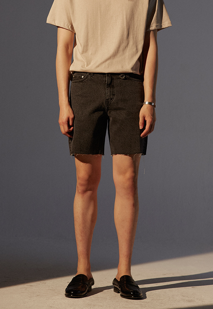 Musk Cutting Denim Shorts_ Black Washing